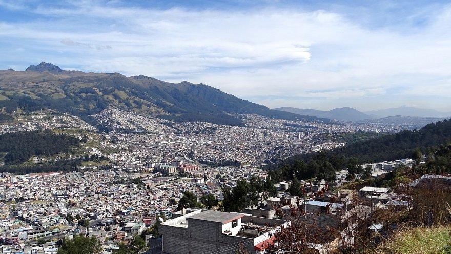 Ecuador Quito Häusermeer