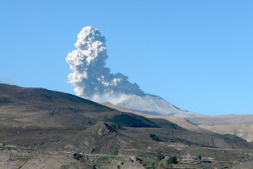 Vulkan Sabancaya Colca Peru