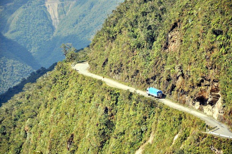 Bolivien Yungas Camino de la Muerte Lkw
